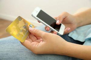 Мошенничество по телефону с банковскими картами